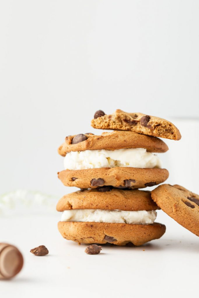 Best Chocolate Chip Cookies stuffed with marshmallow